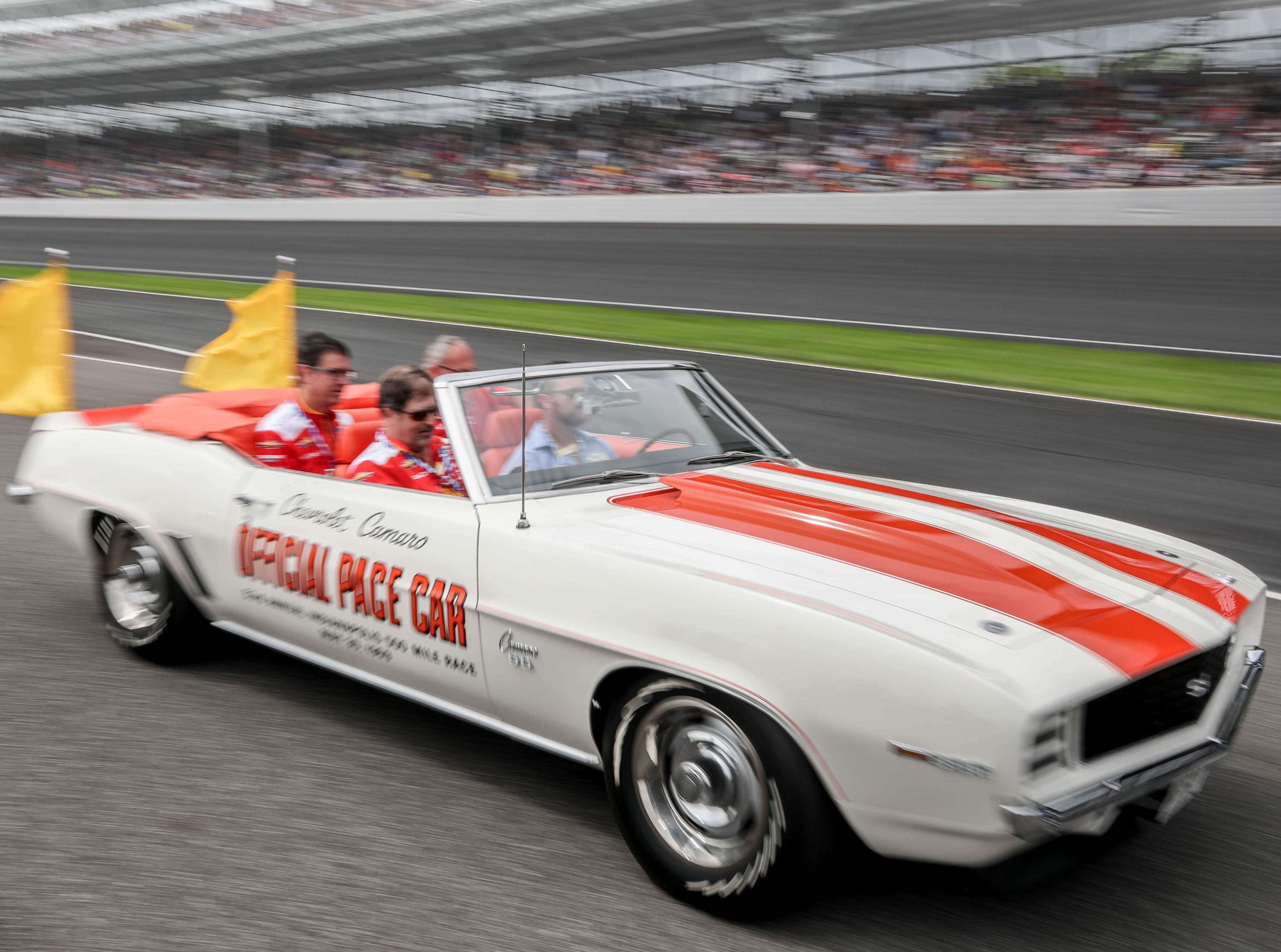 indy-500-pace-car-ride-vip-1