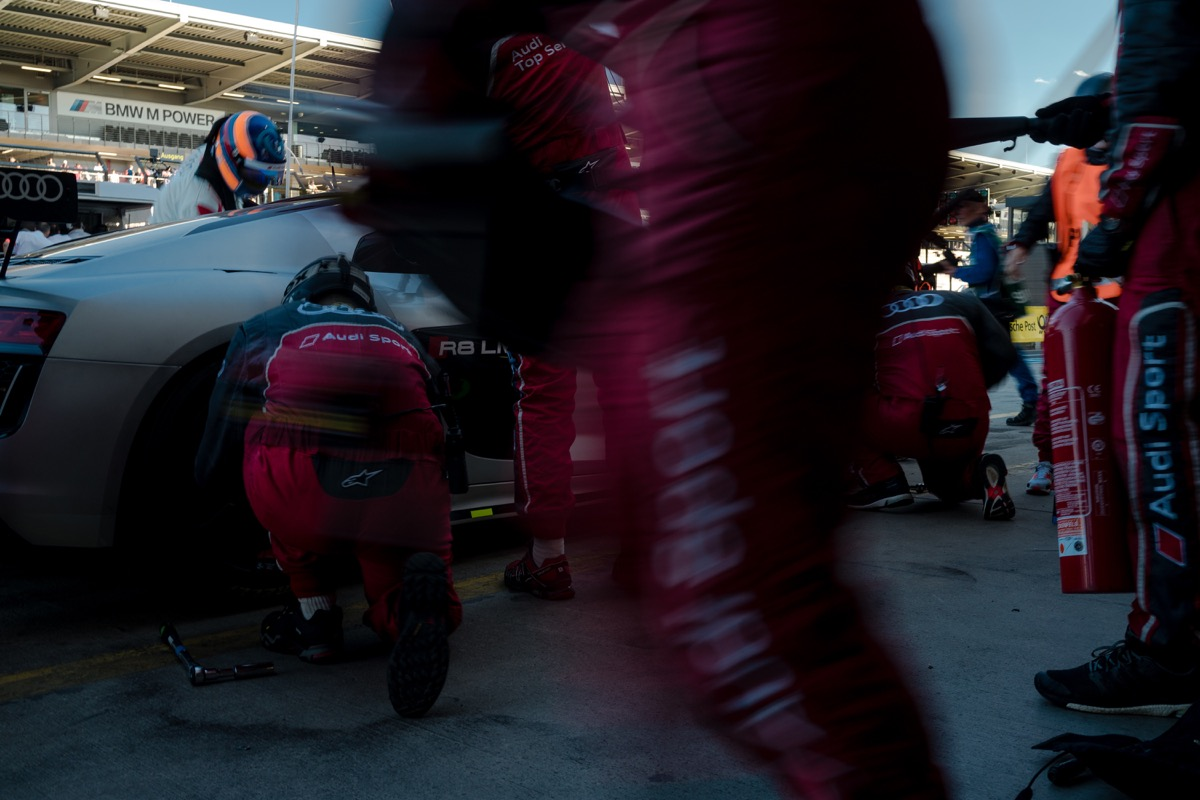 motorsports-pitstop-b2b-light