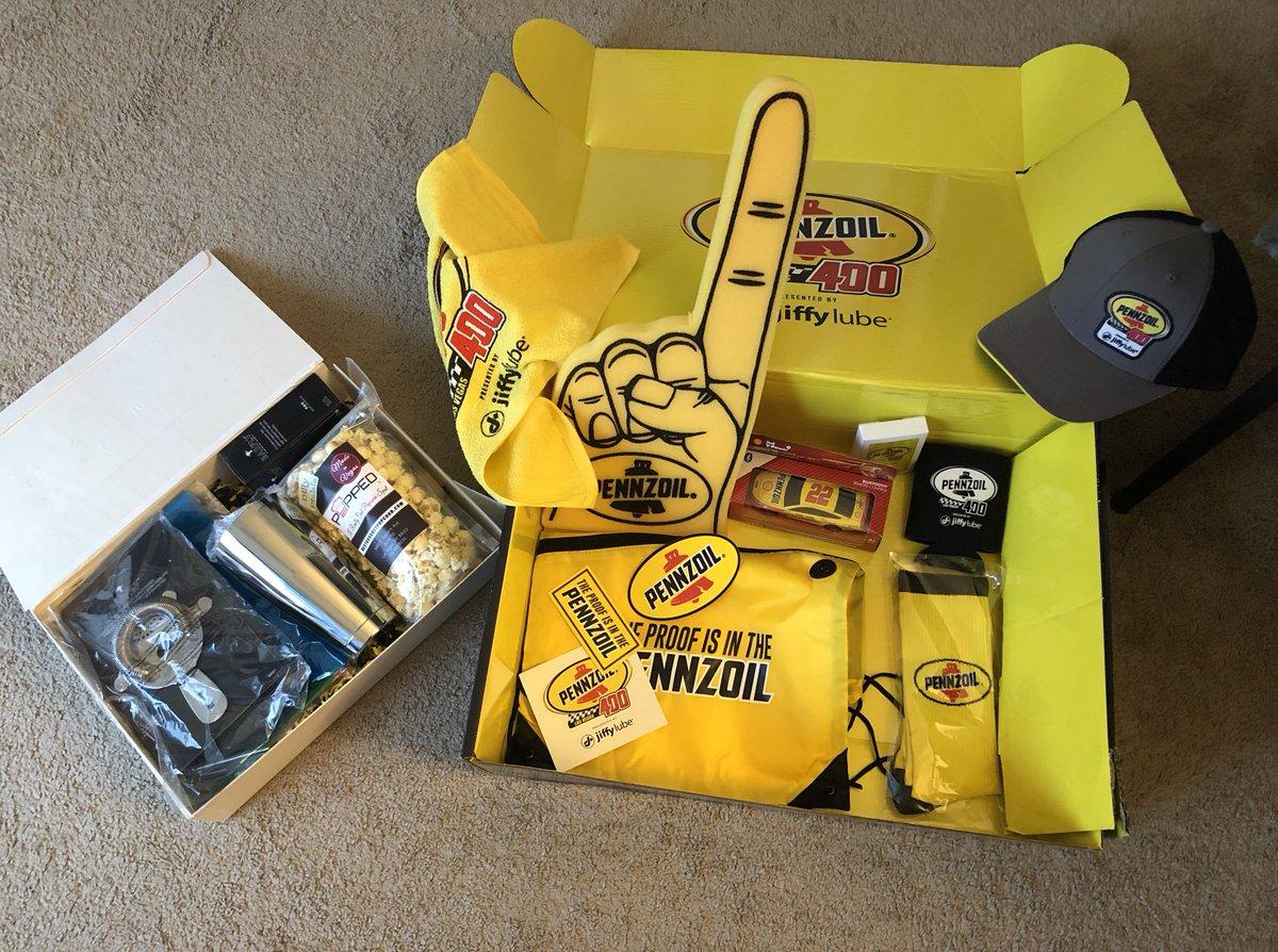 pennzoil-400-gift-box
